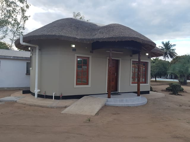 Lake View Guest House Mangochi tel 00265999958176
