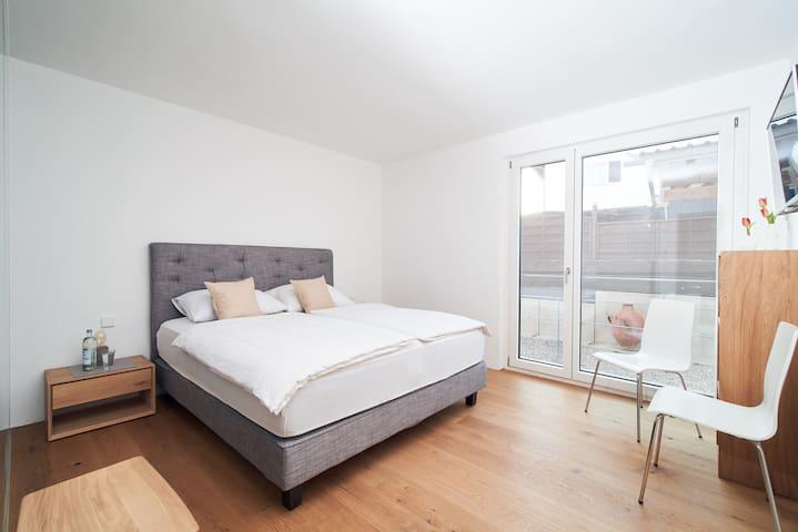 moderne und exklusive Schlafzimmer /LOFT Rebhalde