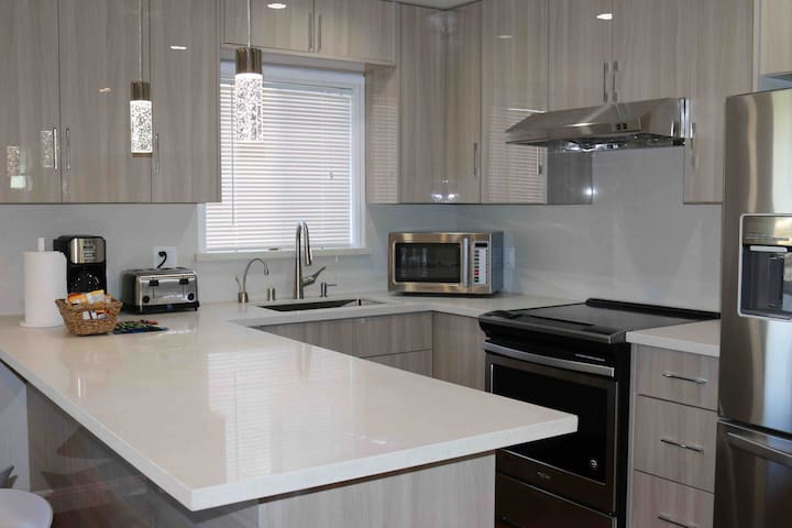 Remodeled Apt Close to San Francisco and SFO