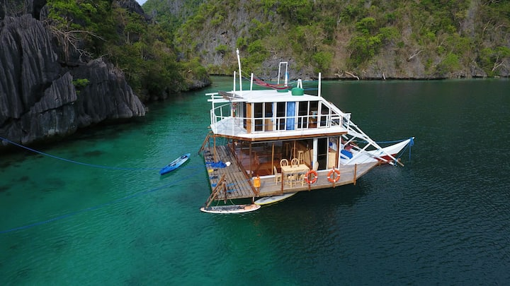 ENTIRE HOUSEBOAT! The only accom. in Coron Island