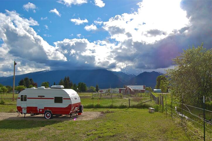 Retro-style Camper with Big Views