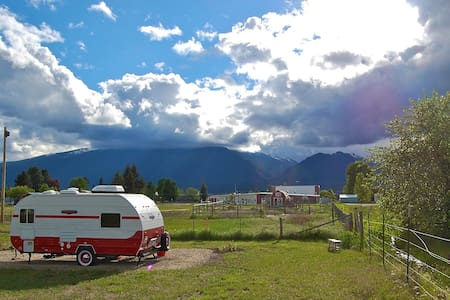 Retro-style Camper with Big Views