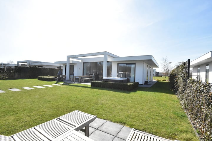 Luxury Villa in Harderwijk near Lake