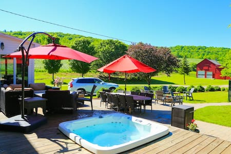 Escape the city to Blind Buck Valley Farmstead