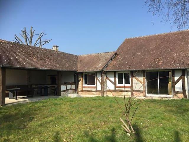 Le Grand Chaudron (9 pers - terrasse couverte) - Pierrefitte-sur-Sauldre - House
