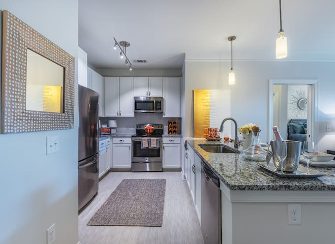 Everything you need | 2BR in Matthews