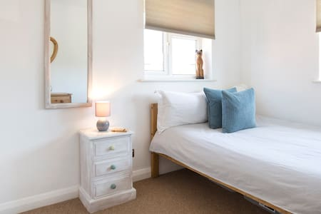 Sleep & Stay Oxford - Cosy flat with parking