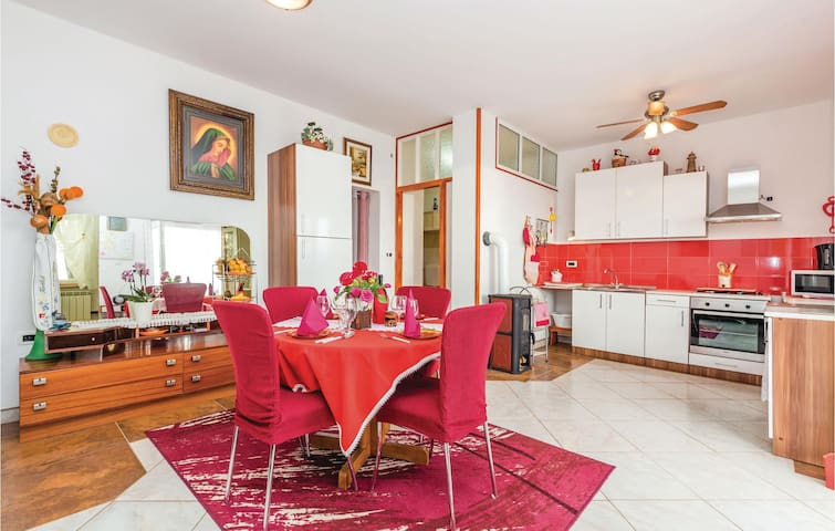 Terraced house with 1 bedroom on 64m² in Dobrec