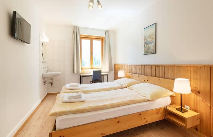gemütliches Doppelzimmer im Hostel by Randolins