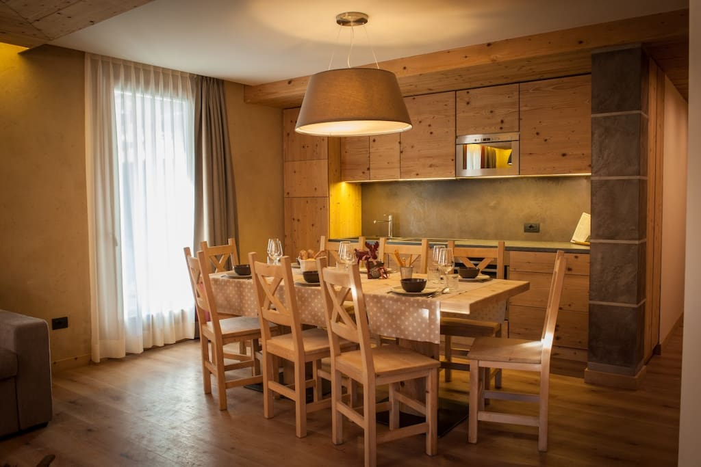 Chalet Alfonz | Kitchen and dining table  - Cucina e tavolo