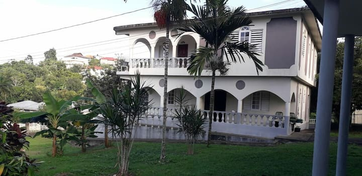 Jamaican Jypsy Studio Apartment*Monthly $500usd*