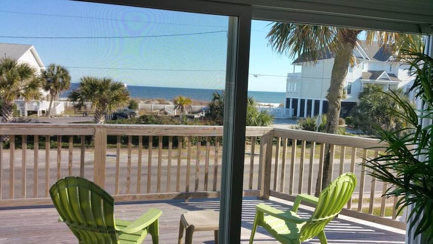 4 BR only steps from the ocean in Surfside Beach - Surfside Beach - House