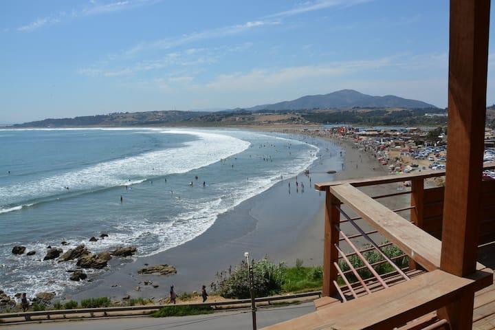 Surf Shack, great studio overlooking the Ocean.