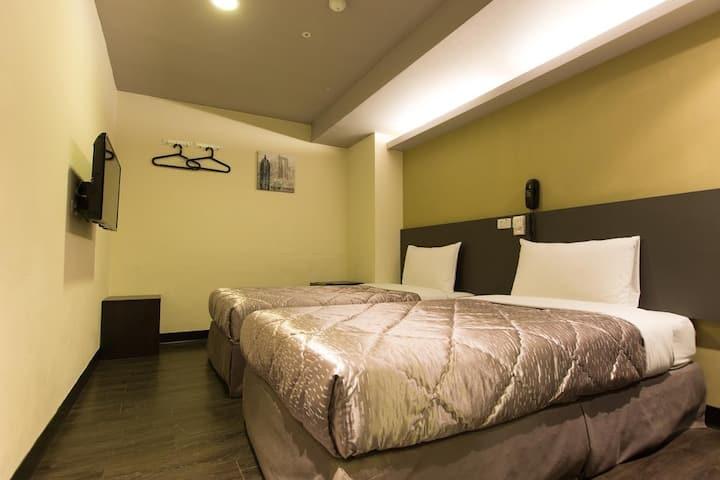 雙床房(獨立的衛浴設備、不含早餐)台中車站3分鐘,近宮原眼科API