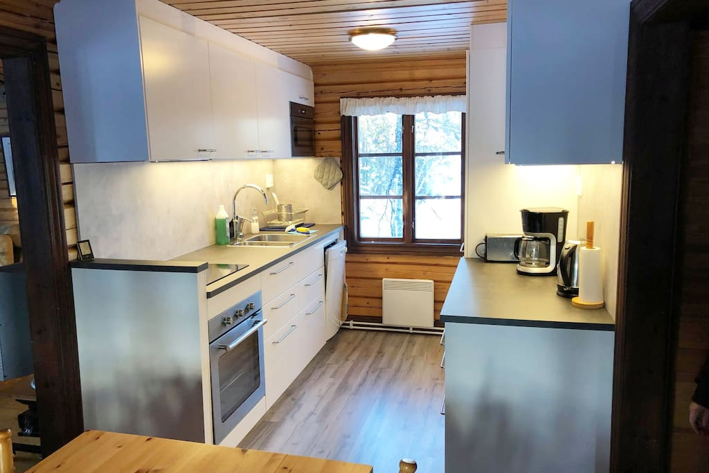 A brand new kitchen installed in november 2018. The kitchen has an induction-stove, an owen with hotfan, micro, fridge, freezer, dishwashing-machine, plus all the kitchen tools you need!