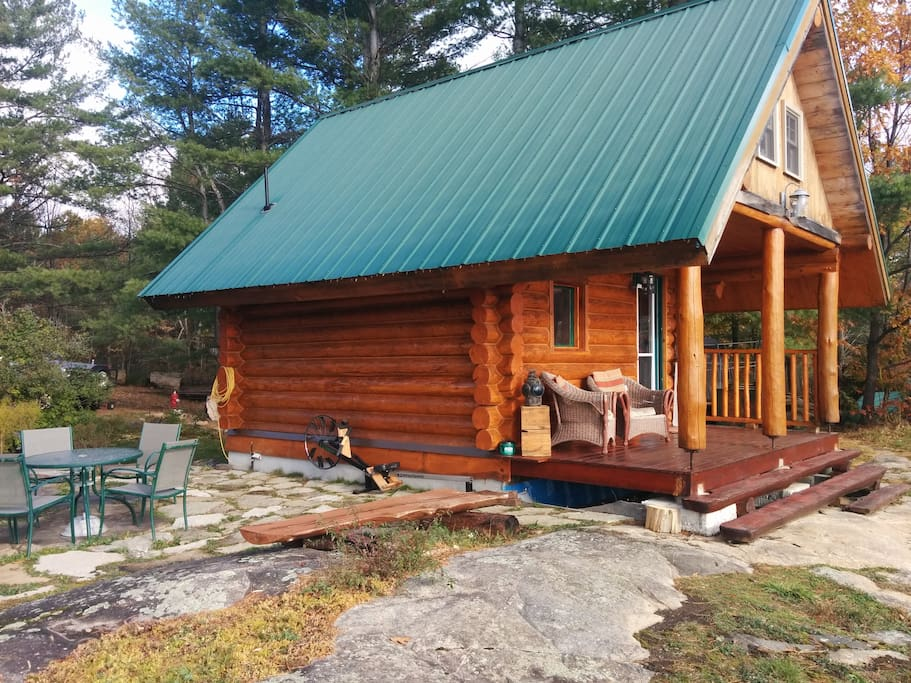 Log cabin on the lake minicase in affitto a gravenhurst for Cabine in affitto a victoria bc