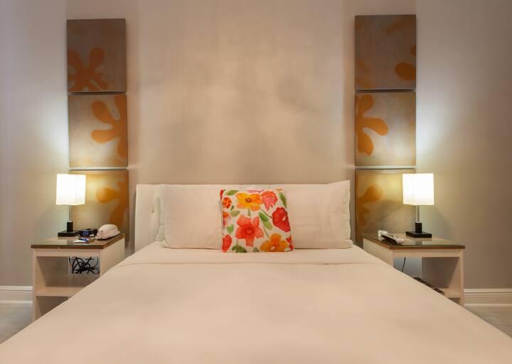 Collins Avenue Odyssey Apart/Hotel Standard Full