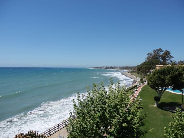 Apartamento a pie de playa - Estepona - Apartament