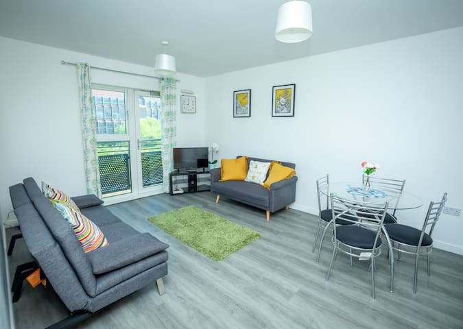 River View 2 Bed Apt  in Northampton Town Centre