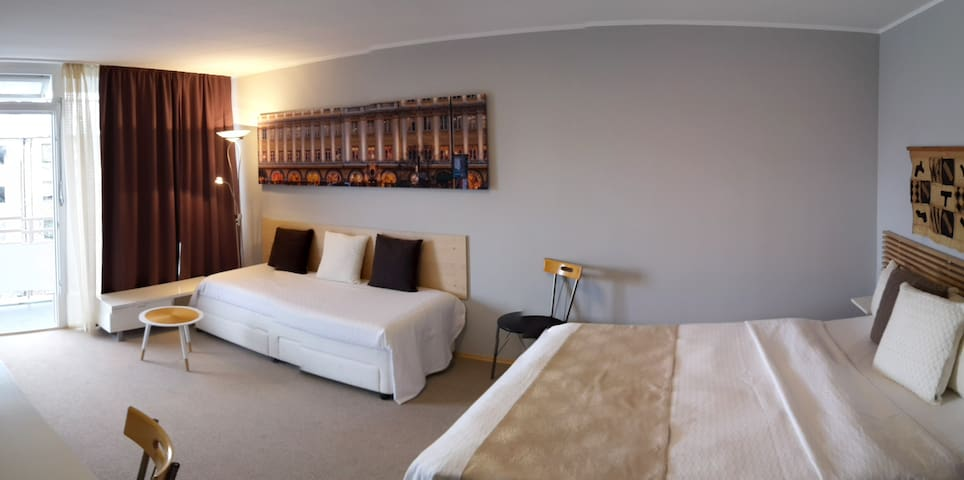 One BR Apartment with Blacony  (Trade fair/Messe)