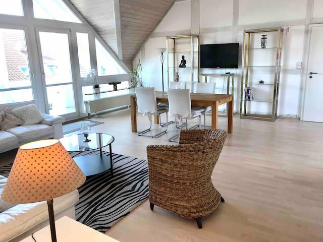 Atelier Wohnung, ein Traum in Weis, Balkon.