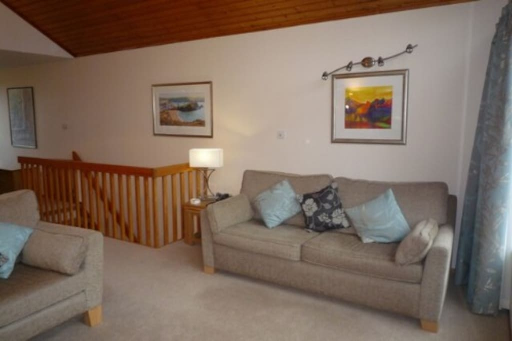Keswick Bridge, Lounge, Lakes Cottage Holidays