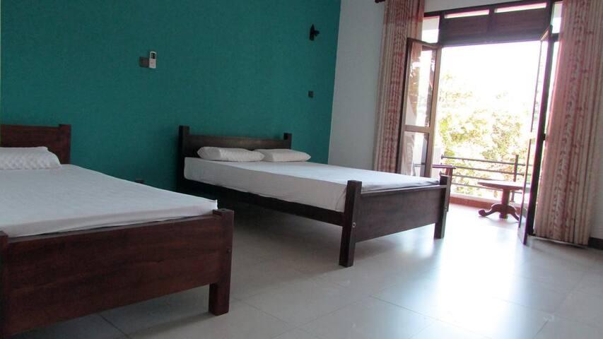 Deluxe  Room with Balcony near Taprobane Island Weligama