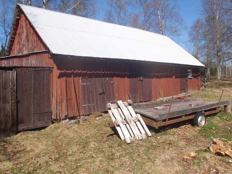 The barn. Contains tools and logs.