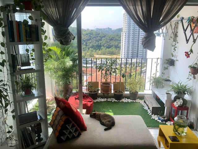 Up on the hill  with stunning view@Pantai Hillpark