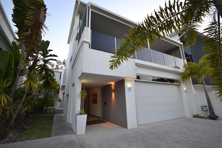Alex Beach House Sunshine Coast - Alexandra Headland - Dům