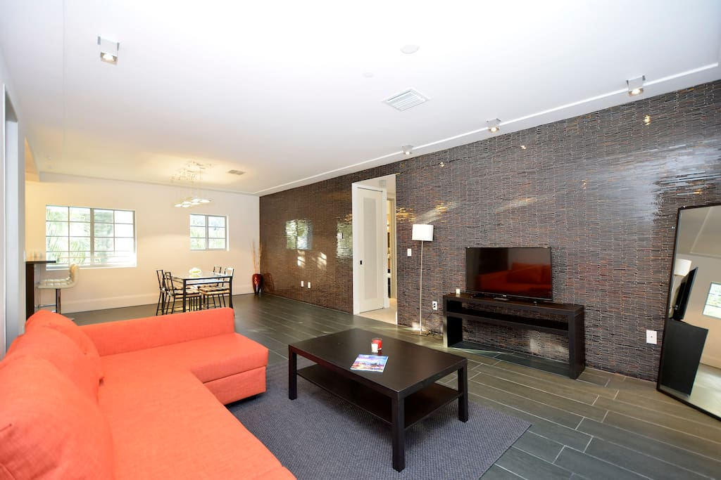 lincoln road deluxe 2 bedrooms apartments for rent in miami beach