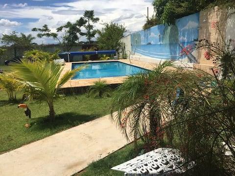 Chácara, piscina grande, churrasqueira, ampla area