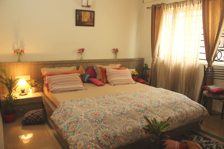 PrivateBedroom with balcony Wi-Fi Whitefield
