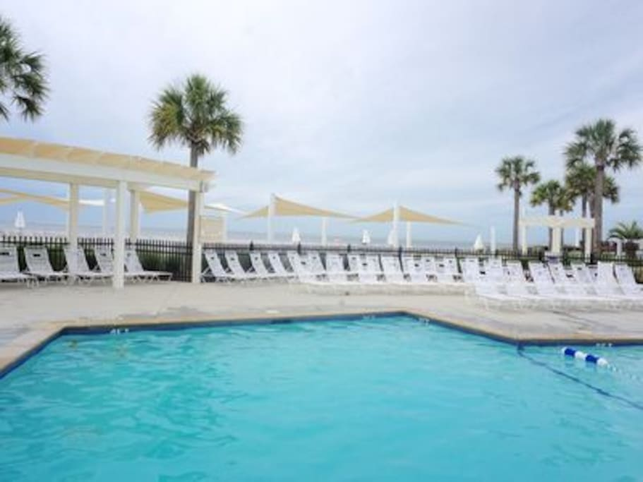 Enjoy the Private Pools at the Seabrook Island Club - Amenity Cards INCLUDED with Rental Rate