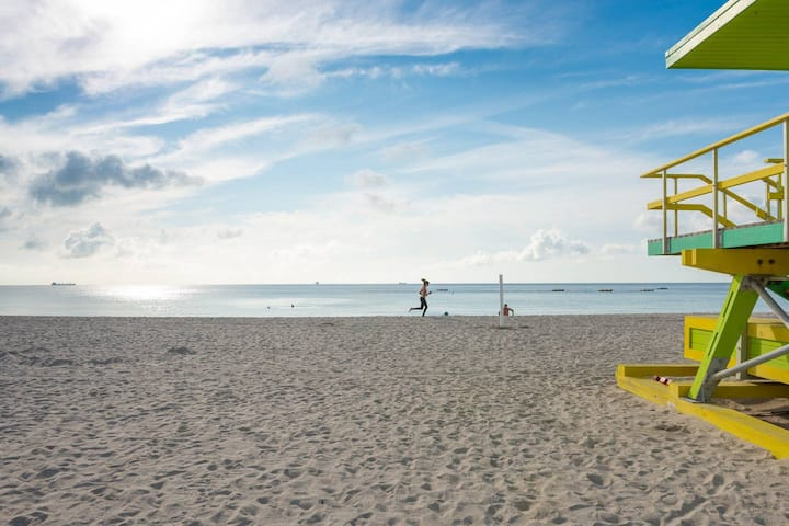 South Beach Across Ocean Drive And Beach