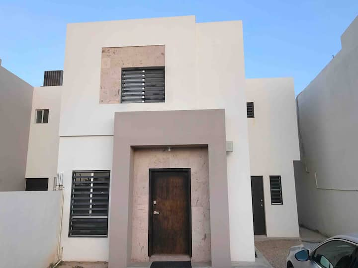 Excellent house near Airport and Border!