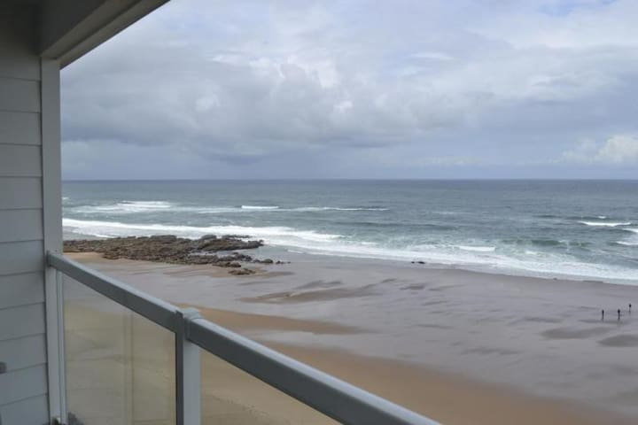 1 BDRM CONDO OVERLOOKING THE OCEAN & BEACH! - Lincoln City - Apartment
