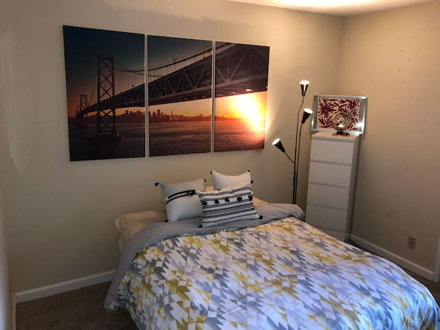 The City by the Bay themed Apartment