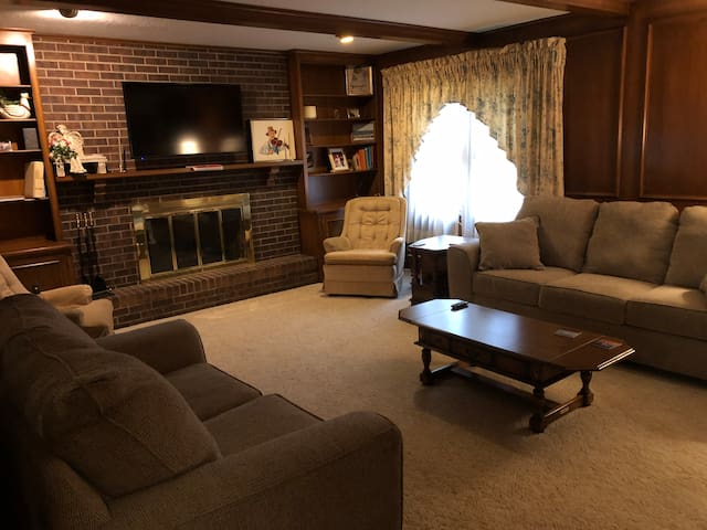 Large Family Home (Can Sleep Up To 8+)