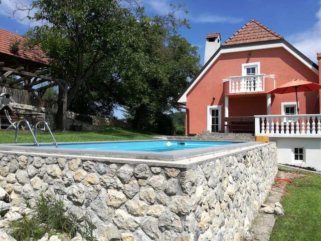 Vacation home for max 6 people at podsreda