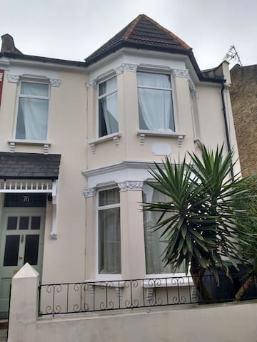 Room in Victorian House - Near Finsbury Park N4 - Lontoo - Talo