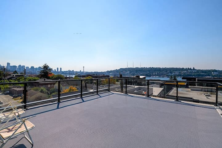 A-Seattle Urban Village- Lopez- Roof top view deck