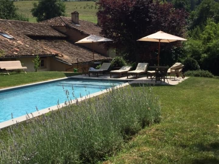 Rural characterful retreat with pool.
