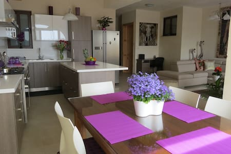 Sweet Cream (Twin/double Ensuite) - Ix-Xagħra - Villa