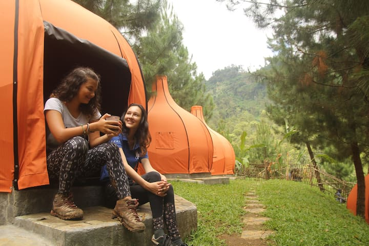 The Lodge Maribaya.. Camping & Adventure Bandung - Lembang - Çadır