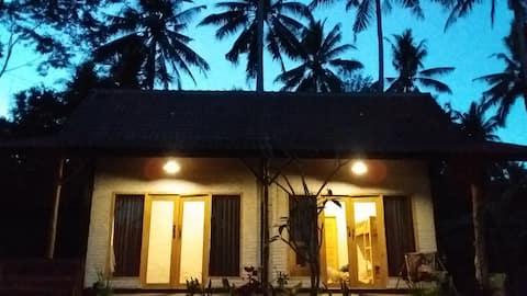 Jungle Surf House - Budget Double room
