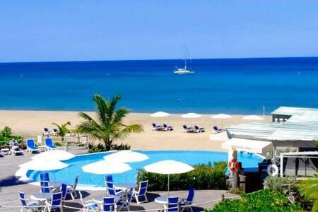 Beachfront - Charlestown - 家庭式旅館