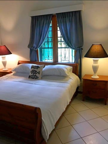 2 Bedroom Beach Apt - In the Heart of St Lucia!