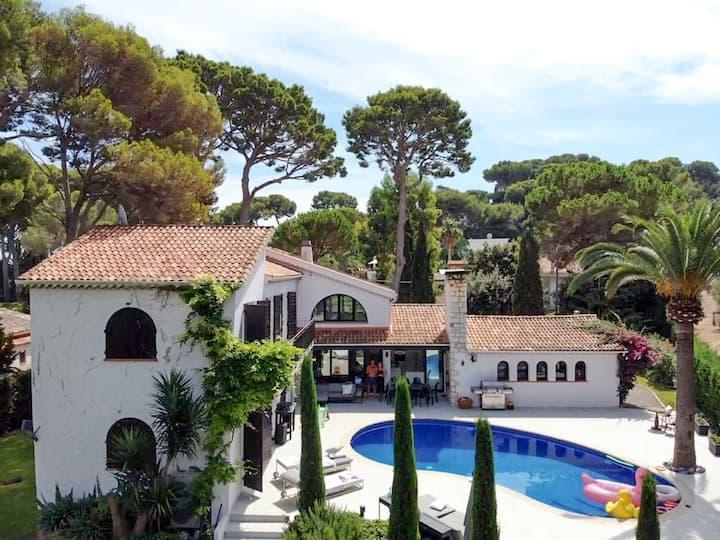 Cap D'Antibes, Luxury villa