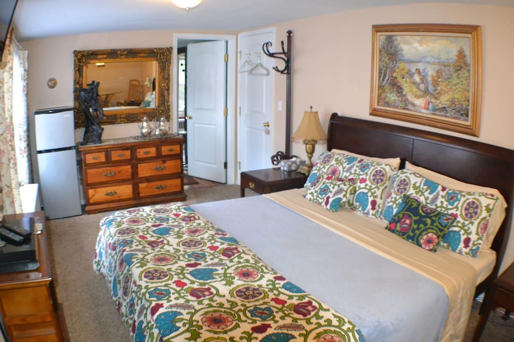King Bedroom (parents bedroom)